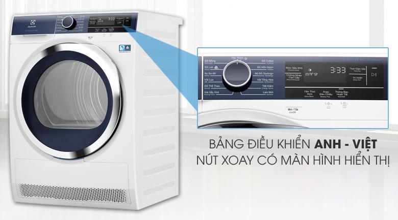 bảng điều khiển có chú thích song ngữ Anh - Việt