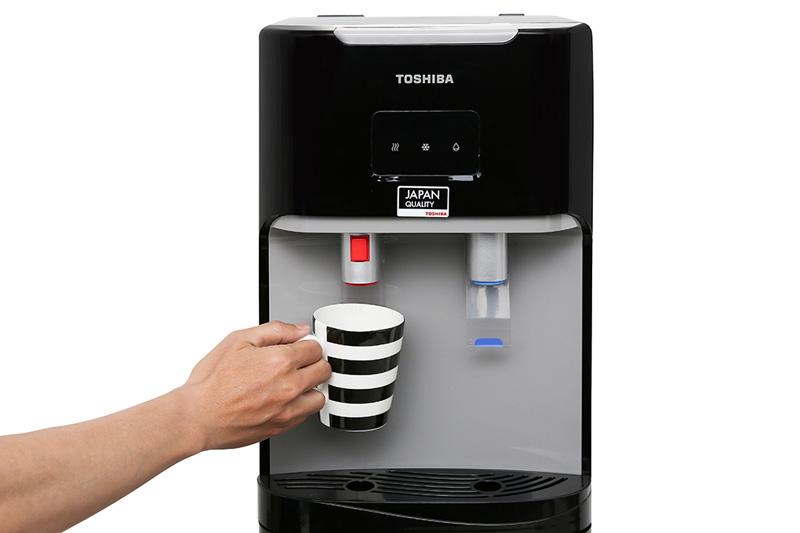 Dùng tiện lợi - Máy nước nóng lạnh Toshiba RWF-W1669BV(K1)
