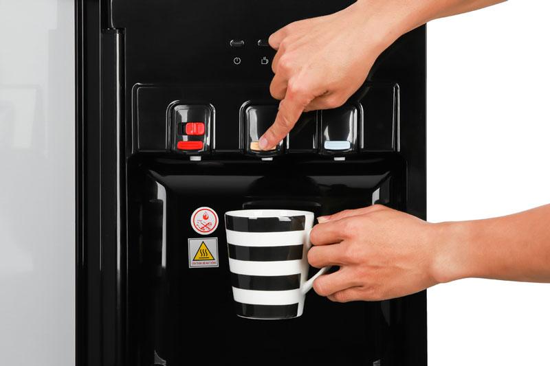3 vòi nước nóng - thường - lạnh riêng biệt - Cây nước nóng lạnh Midea YL1836S-B