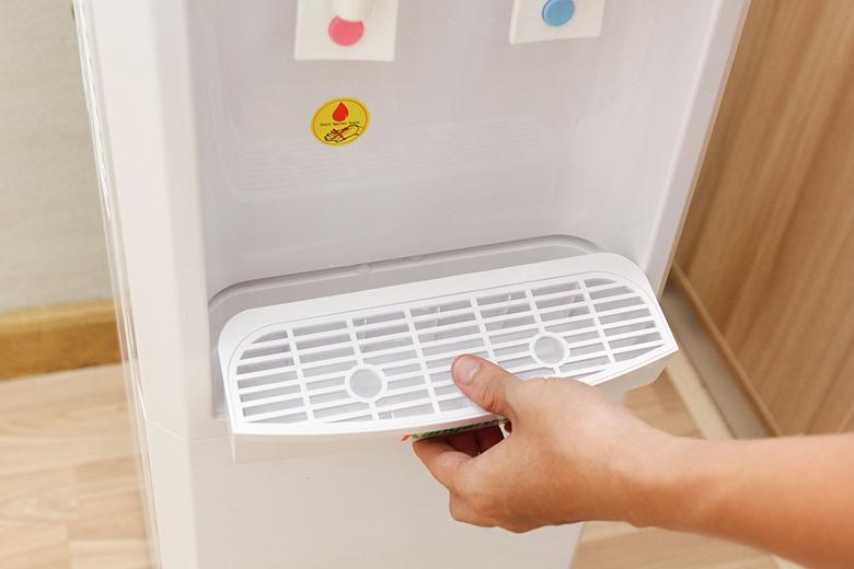 Khay hứng nước dễ tháo lắp