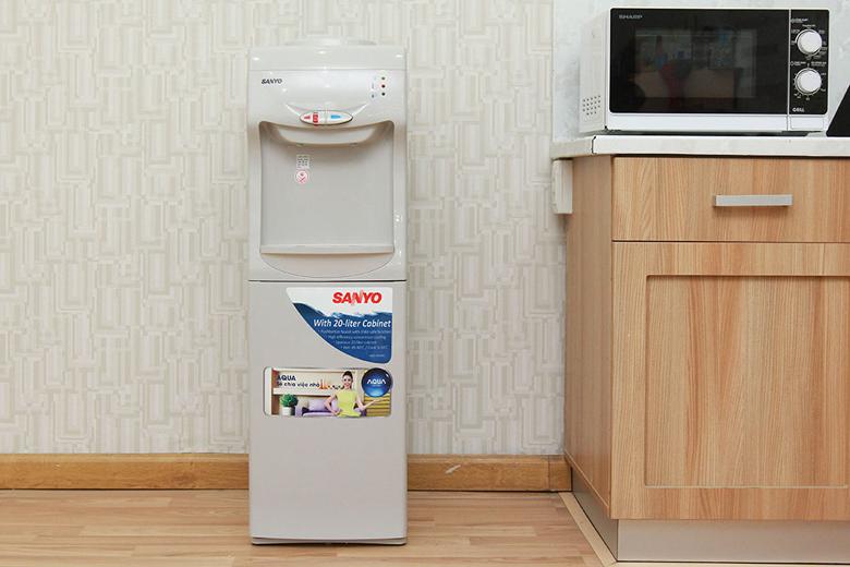 Cây nước nóng lạnh Sanyo SWD-M25HC – Thiết kế đẹp, sang trọng