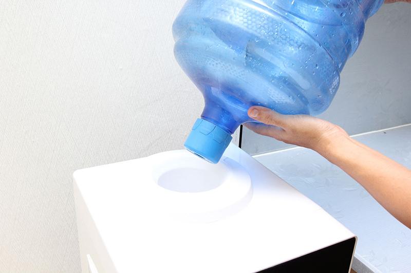 Cây nước nóng lạnh Aqua AWD-M65HC 6