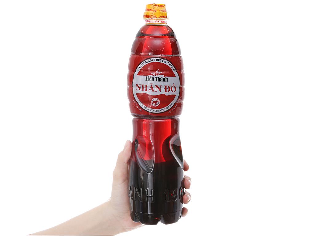Nước mắm truyền thống Liên Thành nhãn đỏ chai 900ml 4