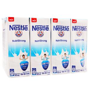 Lốc 4 hộp sữa tiệt trùng Nestlé NutriStrong có đường 180ml