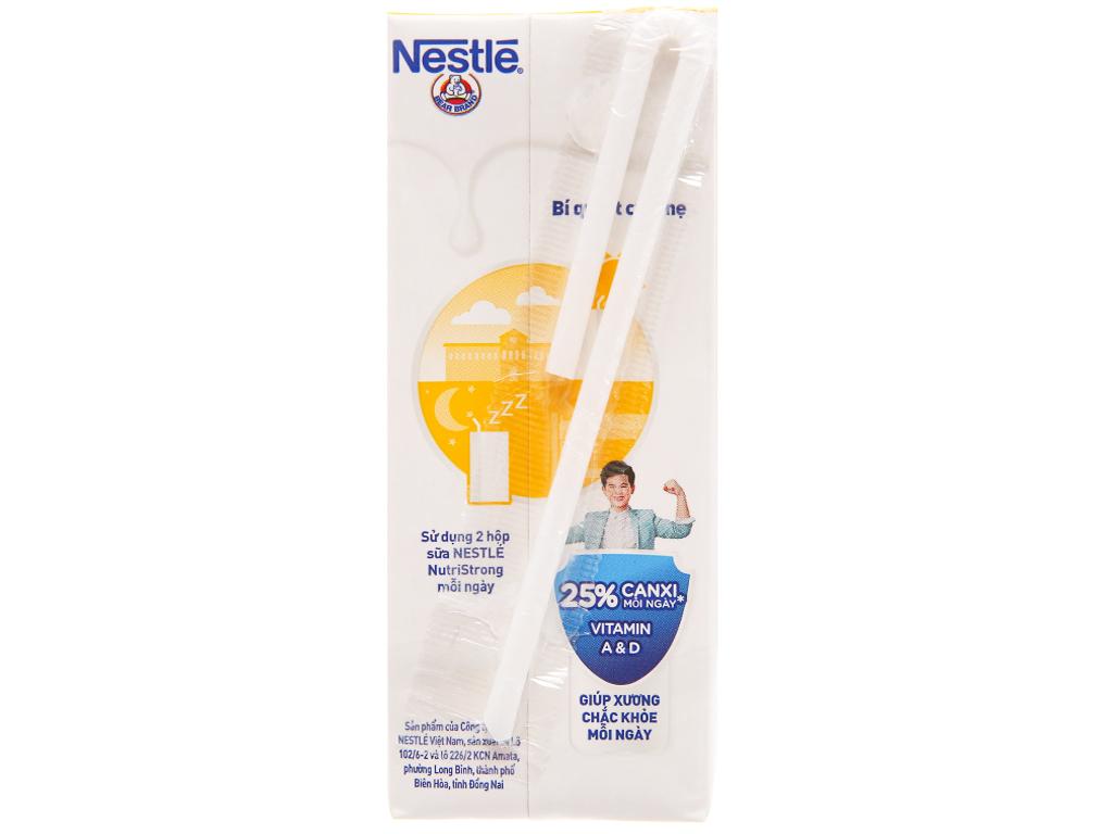 Lốc 4 hộp sữa tiệt trùng hương trái cây Nestlé NutriStrong 180ml 4