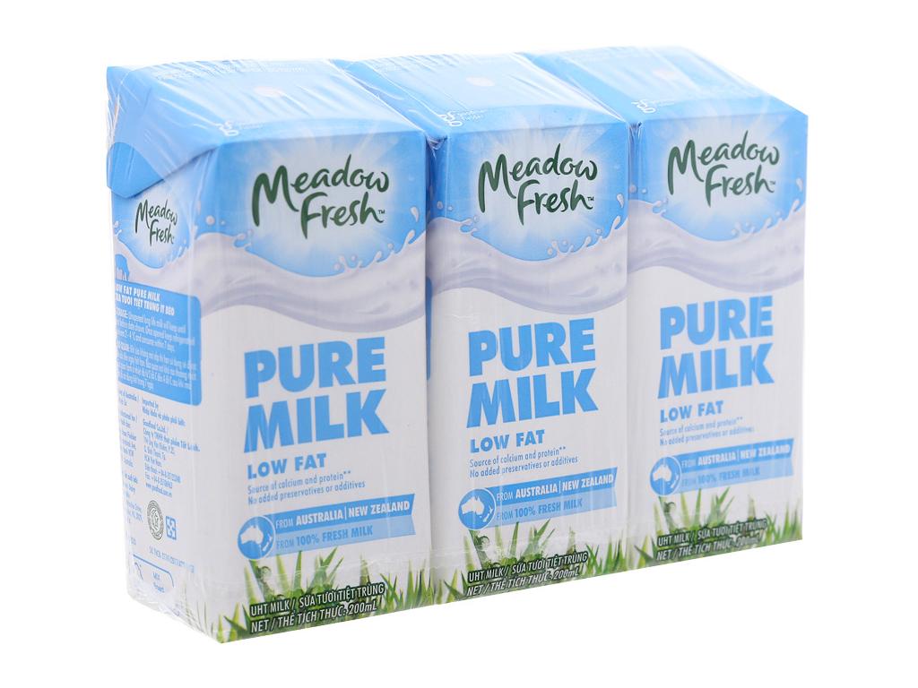 Lốc 3 hộp sữa tươi tiệt trùng Meadow Fresh ít béo 200ml 1