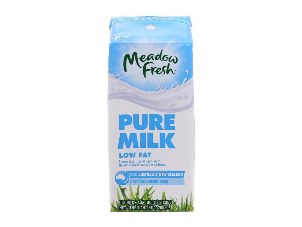 Lốc 3 hộp sữa tươi tiệt trùng Meadow Fresh ít béo 200ml 2