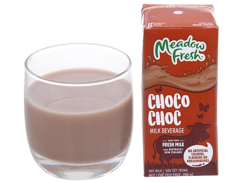 Lốc 3 hộp sữa tươi tiệt trùng Meadow Fresh sô cô la 200ml 5