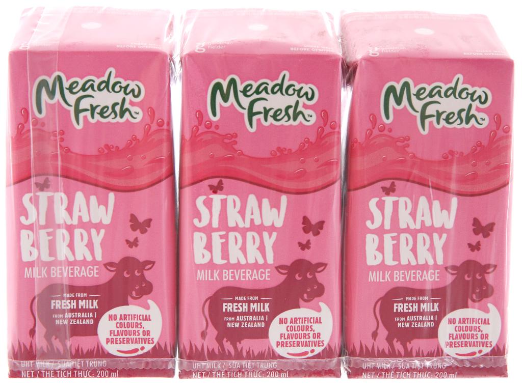 Lốc 3 hộp sữa tươi tiệt trùng Meadow Fresh hương dâu 200ml 2