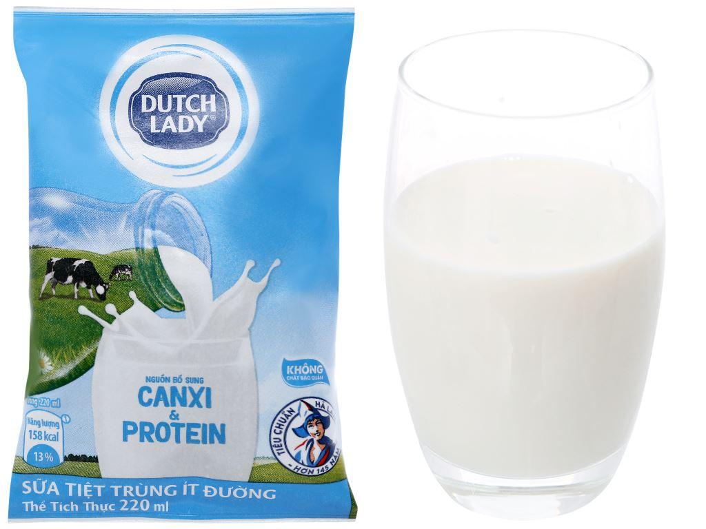 Sữa tiệt trùng ít đường Dutch Lady bịch 220ml 4