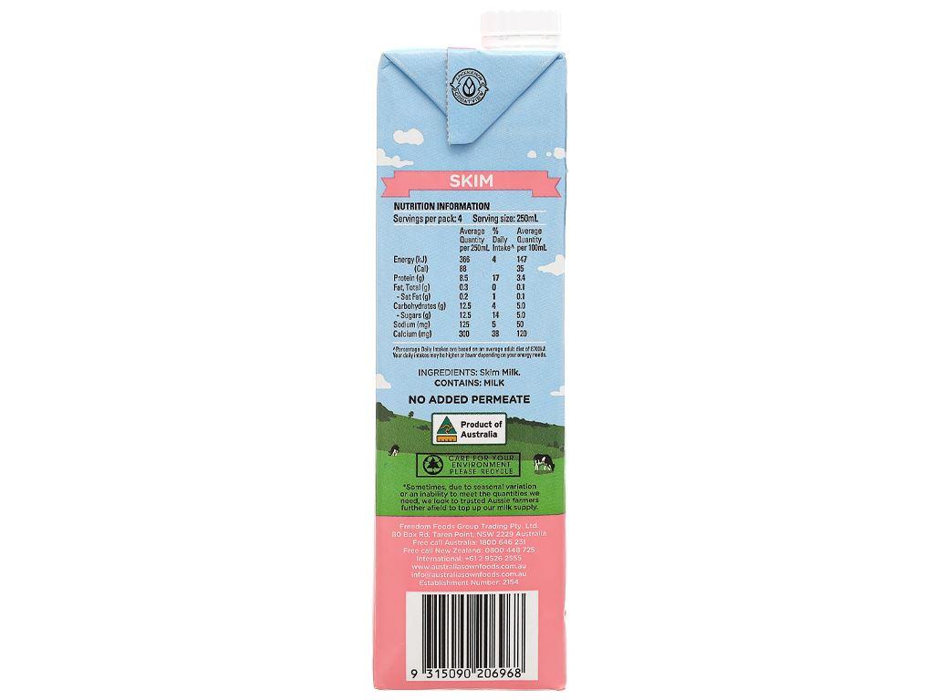 Sữa tươi tách béo không đường Australia's Own hộp 1 lít 5