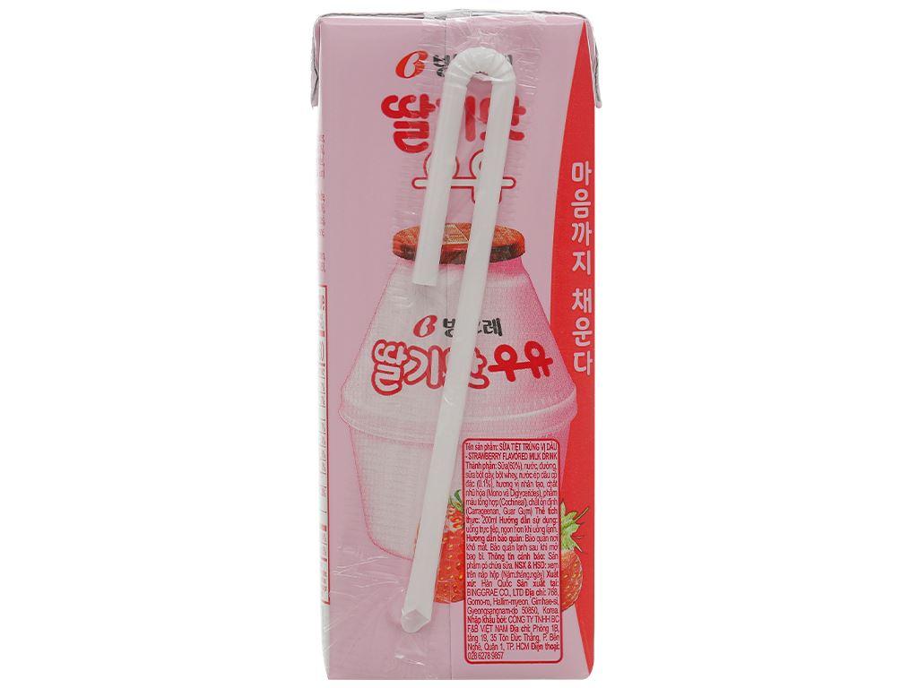 Thùng 24 hộp sữa tươi tiệt trùng hương dâu Binggrae 200ml 3