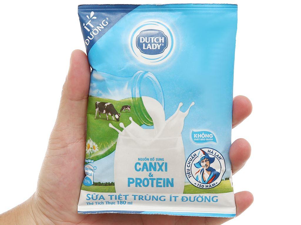 Thùng 24 bịch sữa tươi tiệt trùng ít đường Dutch Lady Canxi & Protein 180ml 5