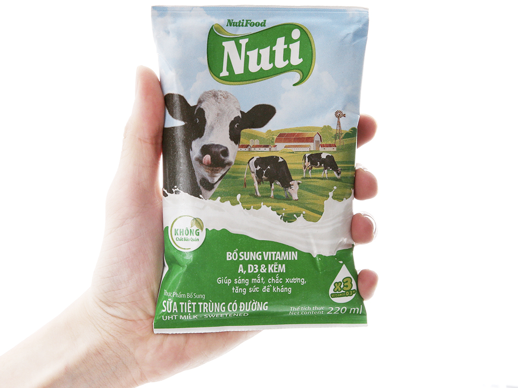 Sữa tiệt trùng Nuti có đường bịch 220ml 4