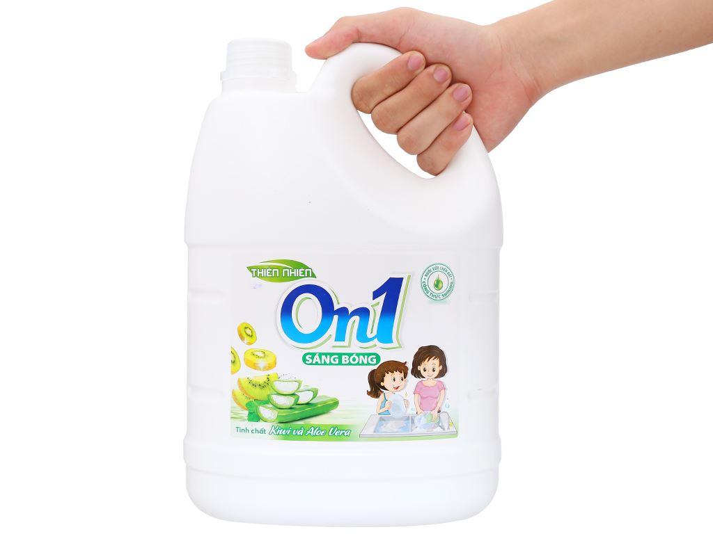 Nước rửa chén On1 hương kiwi và aloe vera can 3.73 lít 4