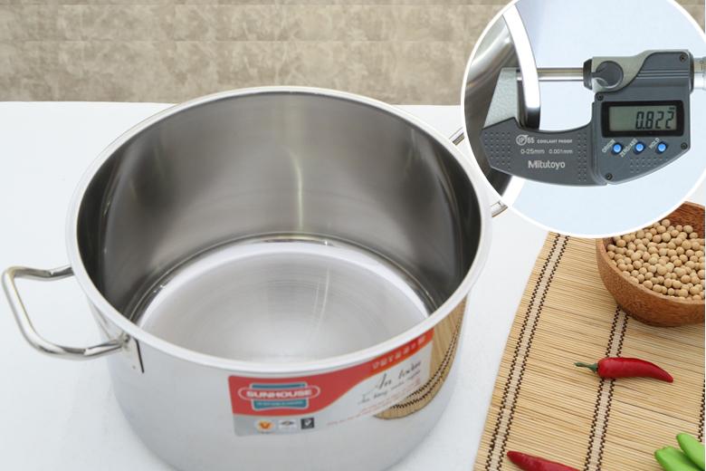 Chất liệu inox 430 ít bị oxy hóa, ít phản ứng với thức ăn, dễ lau chùi cho sản phẩm an toàn và mới lâu. Độ dày khoảng 0.8 mm.