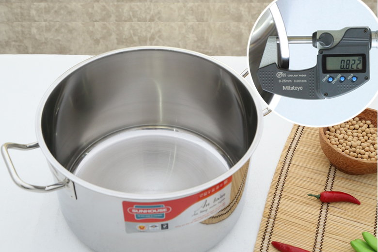 Chất liệu inox 430 ít bị oxy hóa, ít phản ứng với thức ăn, trống trầy xước, dễ lau chùi cho sản phẩm an toàn và mới lâu. Độ dày khoảng 0.8 mm