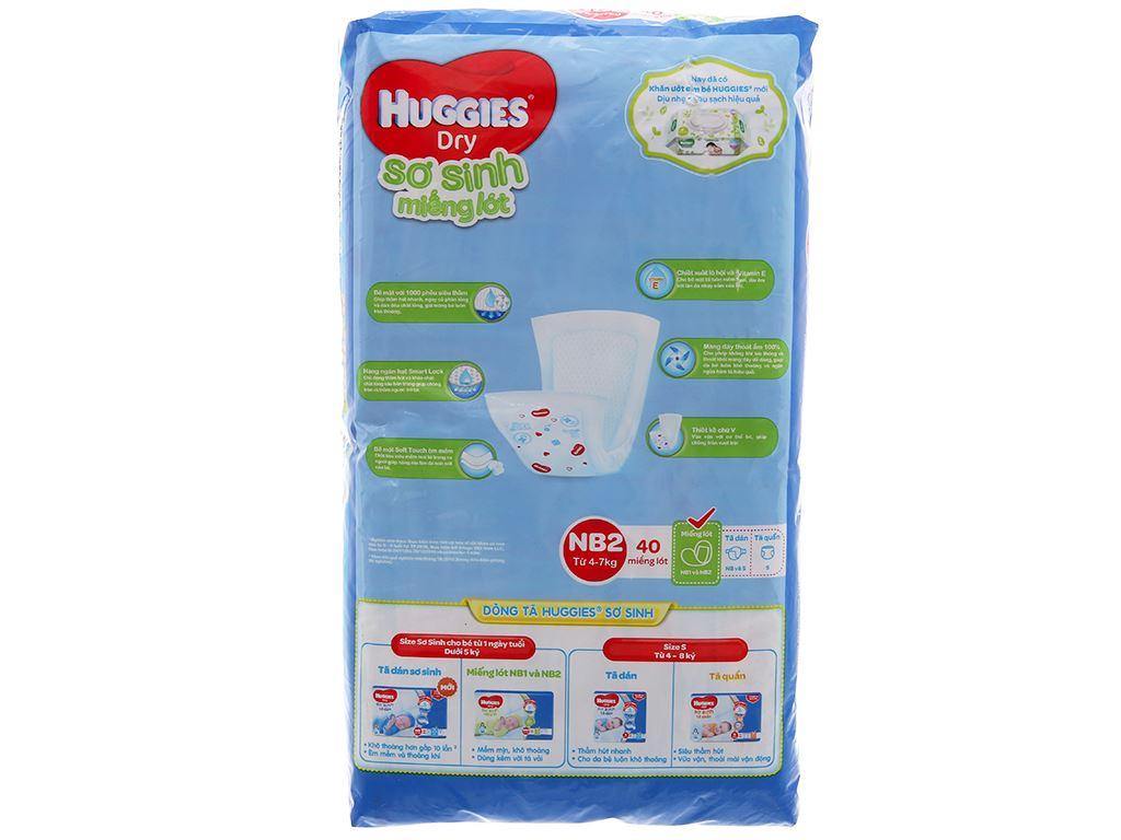 Miếng lót sơ sinh Huggies Dry size NB2 40 miếng (cho bé 4 - 7kg) 2