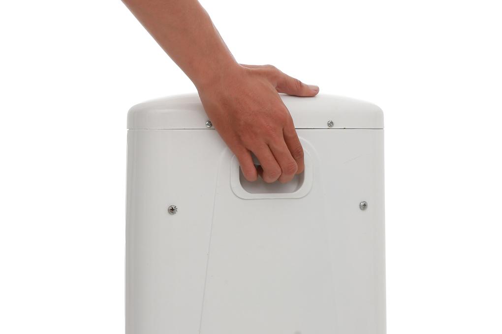 Chỗ để cầm nắm giúp bạn di chuyển quạt tiện lợi hơn - Quạt sưởi halogen Kangaroo KG1012C-KG 1200 W