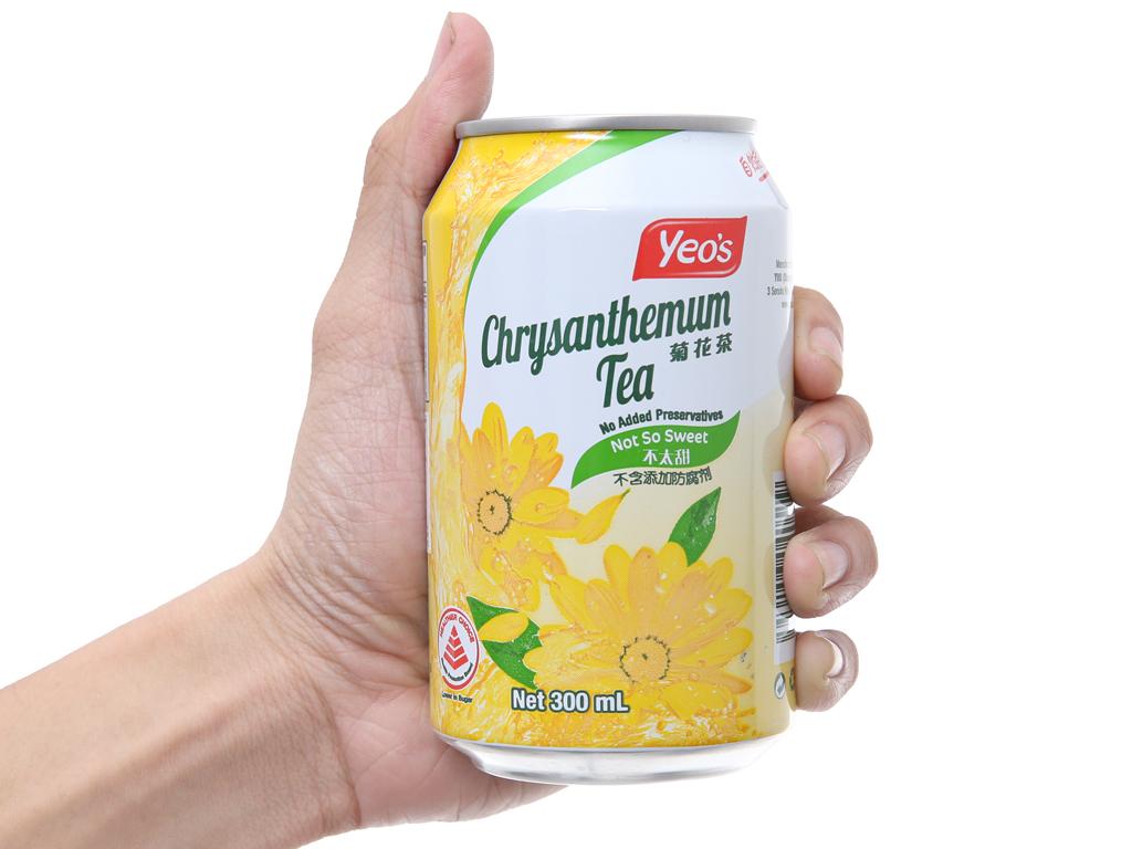 Thùng 24 lon trà hoa cúc Yeo's 300ml 5