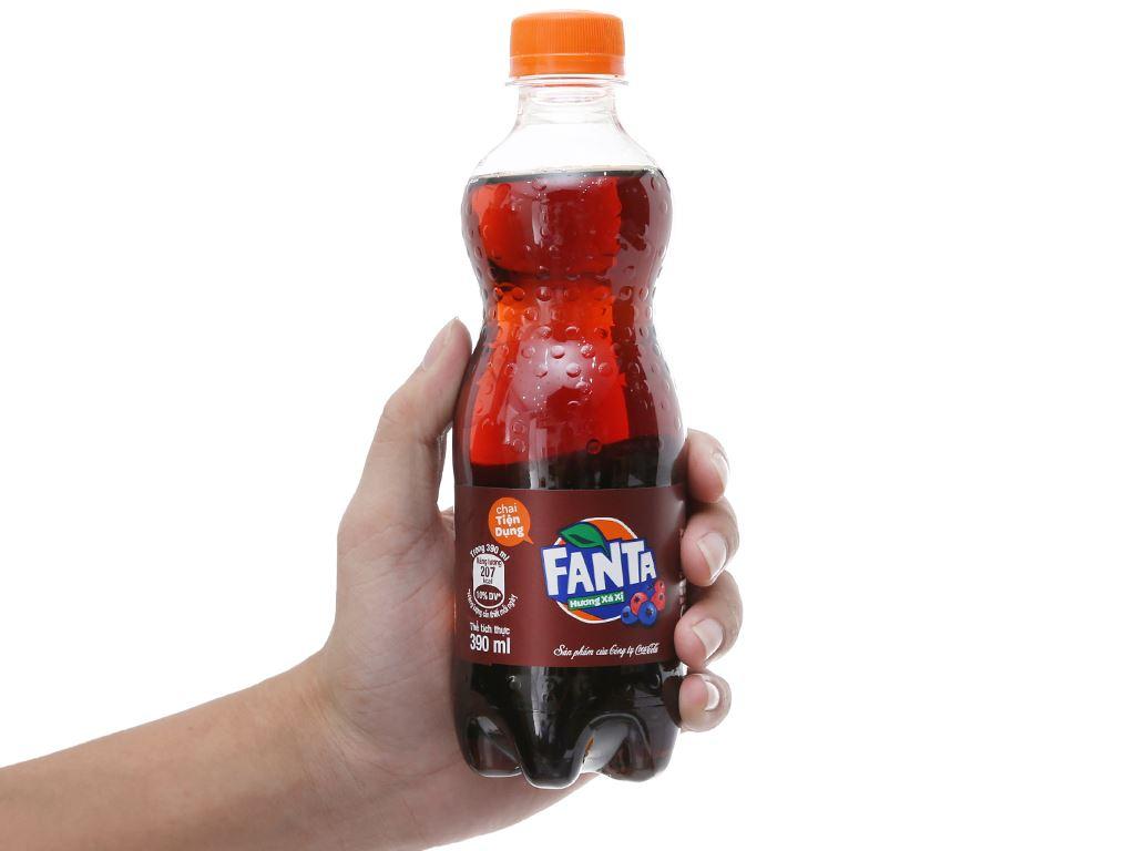Thùng 24 chai nước ngọt Fanta hương xá xị 390ml 4
