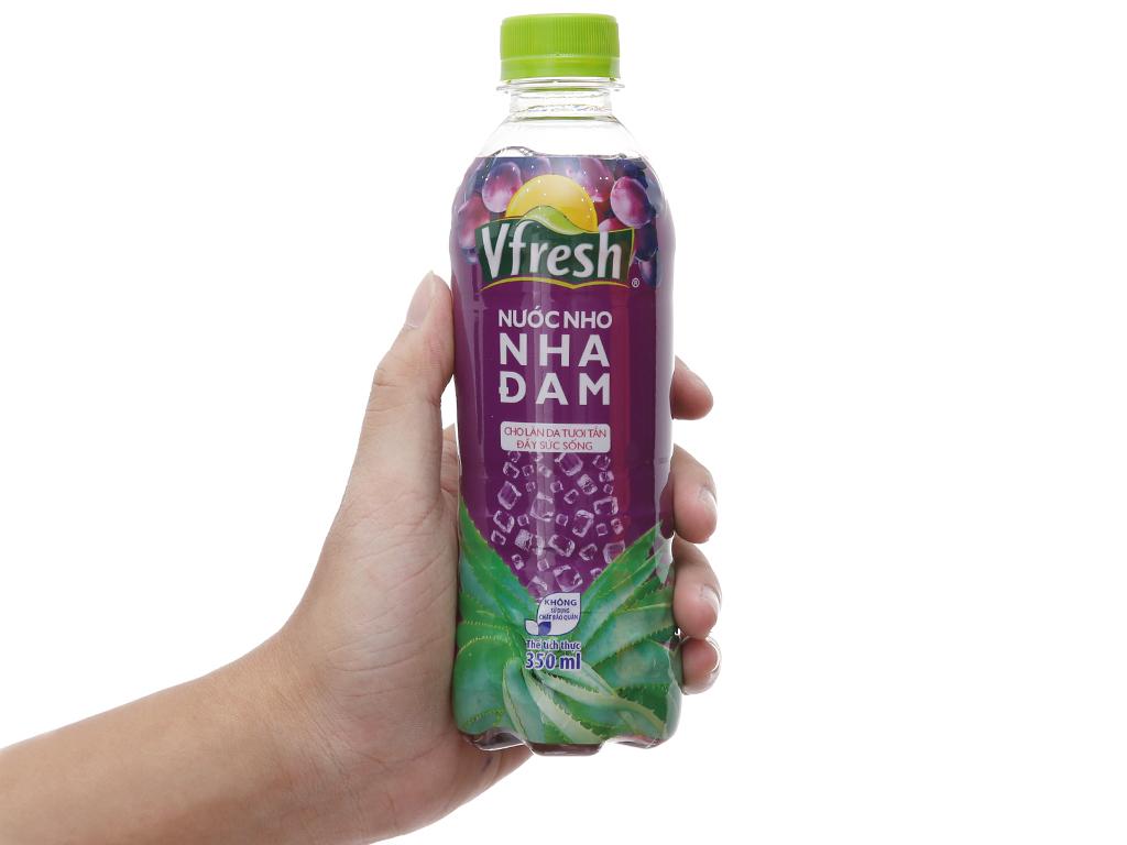 Thùng 24 chai nước nho & nha đam Vfresh 350ml 6