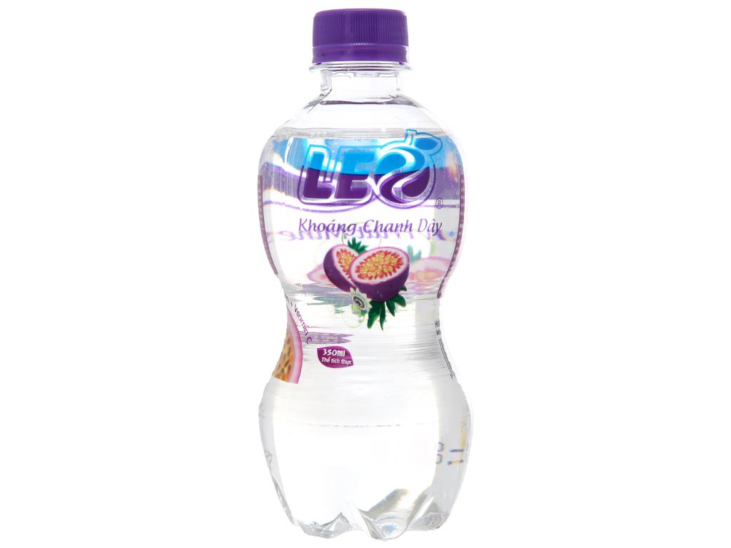 Thùng 24 chai nước khoáng có ga Leo vị chanh dây 350ml 2