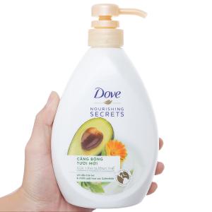 Sữa tắm dưỡng thể Dove dầu trái mơ và hoa cúc 527ml