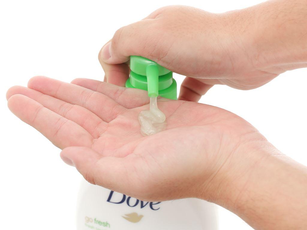 Sữa tắm dưỡng ẩm Dove hương dưa leo 550ml 4
