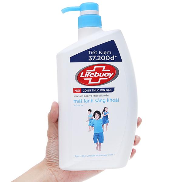 Sữa tắm bảo vệ khỏi vi khuẩn Lifebuoy mát lạnh sảng khoái 833ml