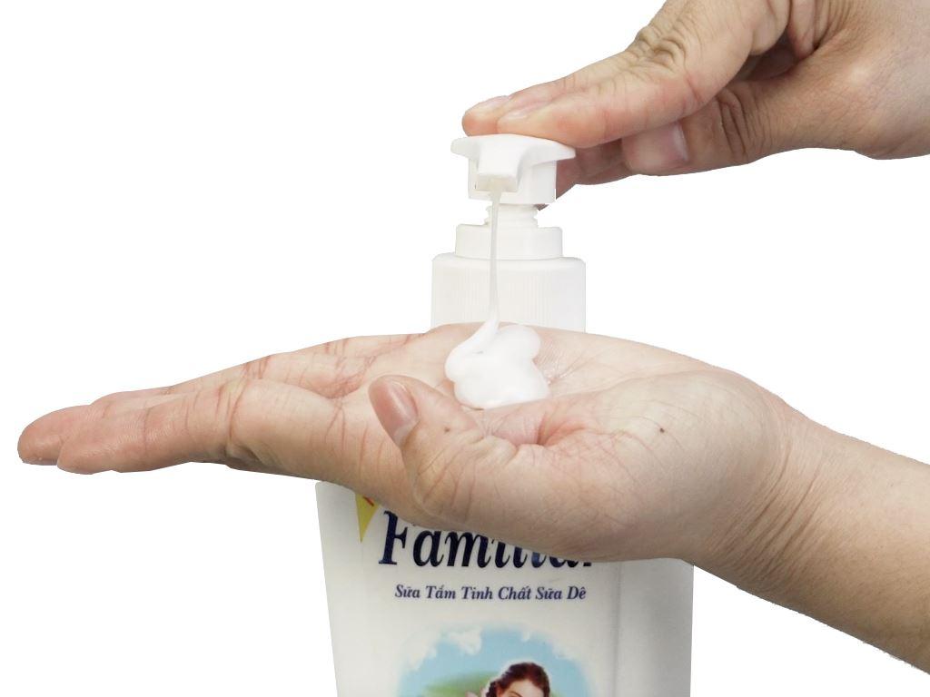 Sữa tắm tinh chất sữa dê Familiar 500ml 6