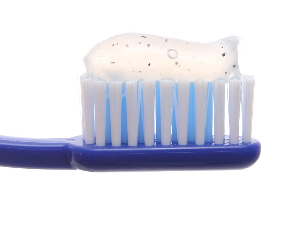 Kem đánh răng Closeup dừa than hoạt tính trắng sáng hơn sau 2 tuần 100g 4