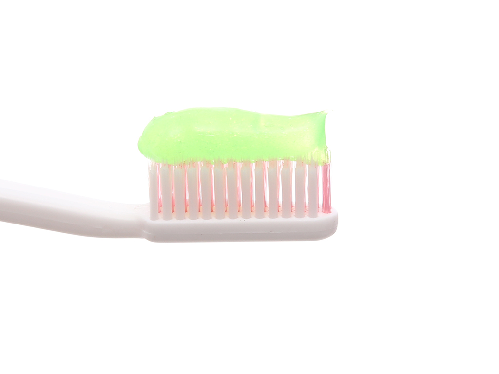 Gel đánh răng Closeup dầu quất & thảo dược 230g 3