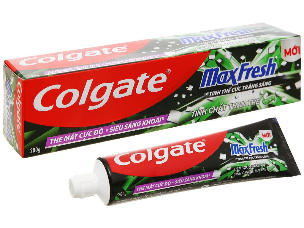 Kem đánh răng Colgate MaxFresh tinh chất than tre 200g 1