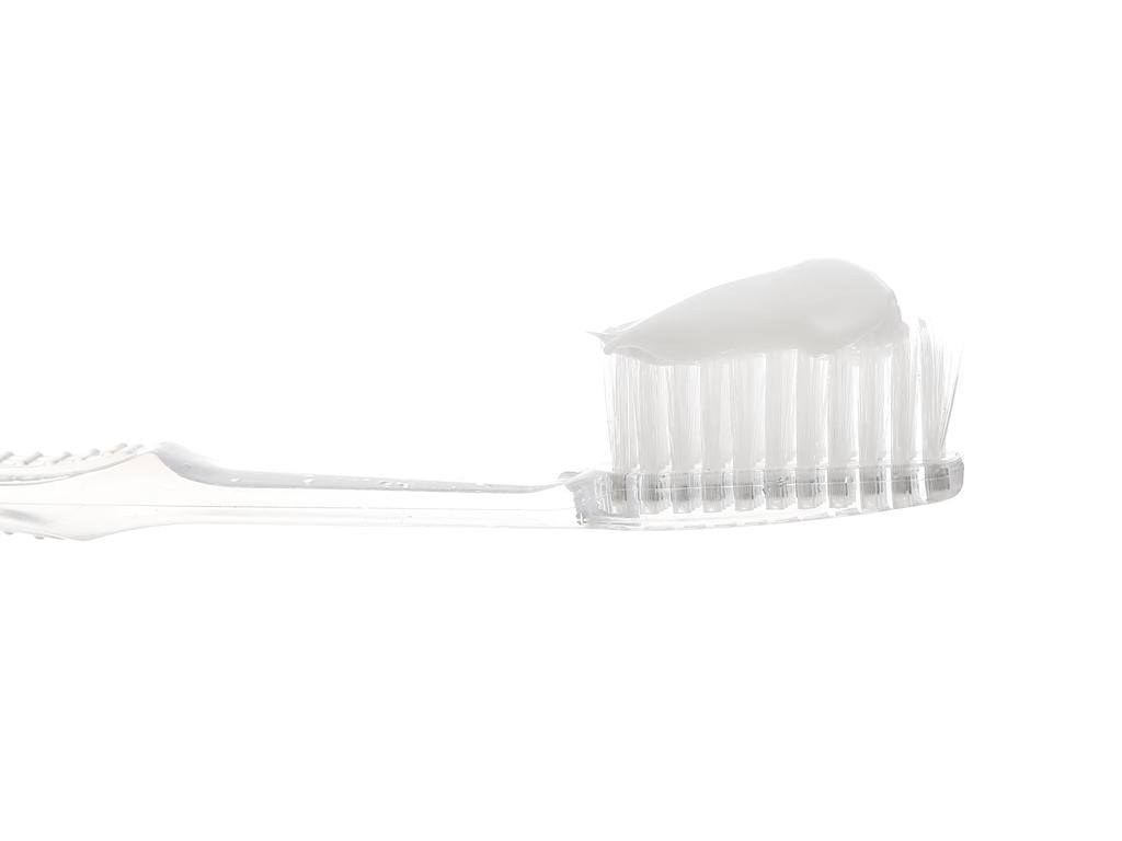 Kem đánh răng Dentrala bạc hà kháng khuẩn 120g 4