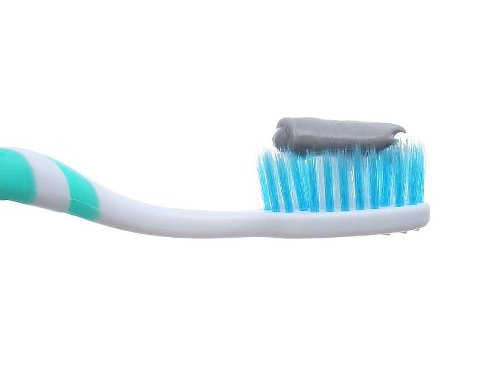 Bộ kem đánh răng và bàn chải đánh răng Colgate muối than hoạt tính 150g 7