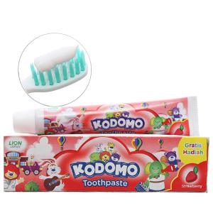 Kem đánh răng cho bé Kodomo hương dâu 45g