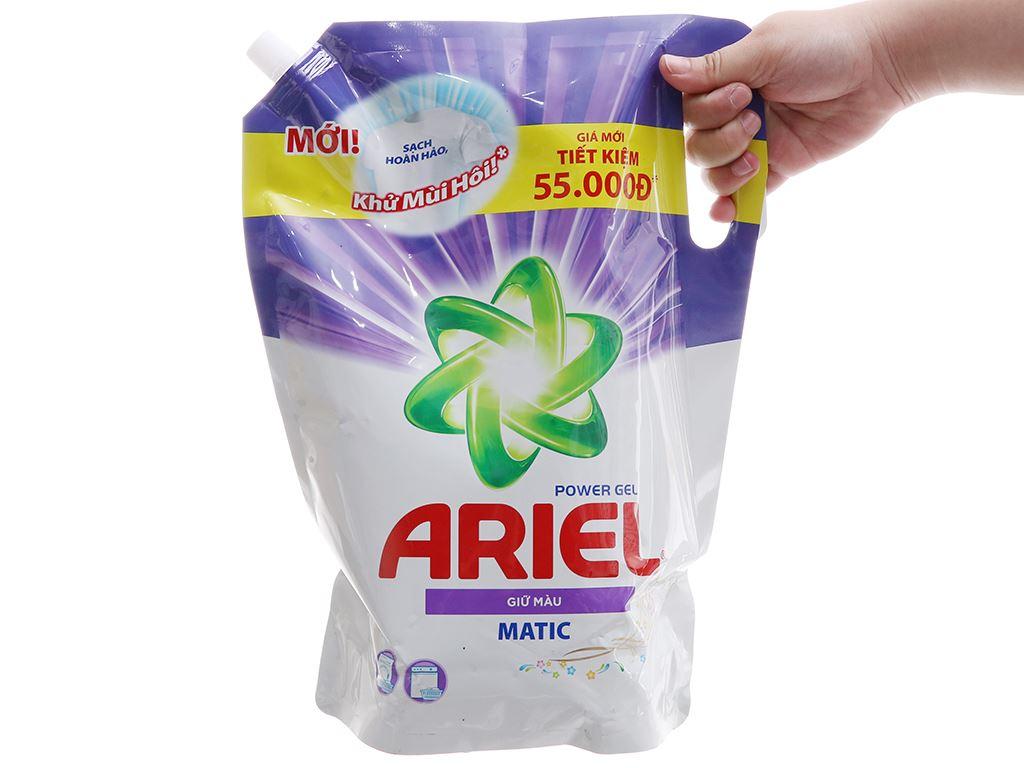 Nước giặt Ariel giữ màu túi 2.4kg 4