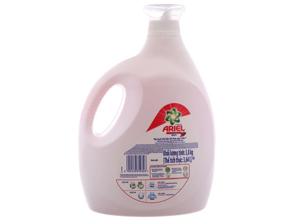 Nước giặt Ariel Matic Hương downy chai 3.8kg 2