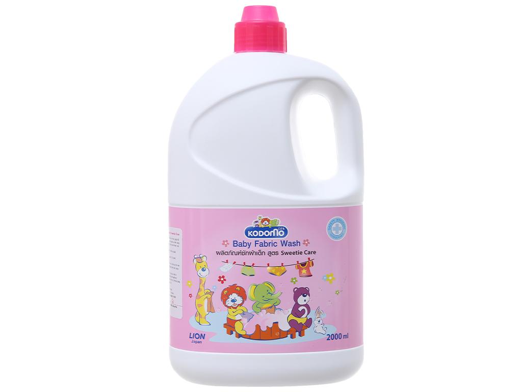 Nước giặt Kodomo hồng chai 2L 2