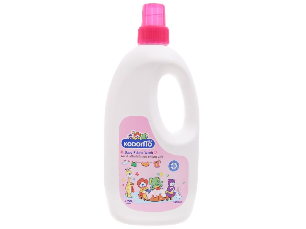 Dung dịch giặt xả Kodomo cho bé Sweetie Care chai 1 lít 1