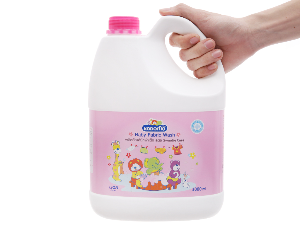 Dung dịch giặt xả Kodomo cho bé Sweetie Care can 3 lít 5