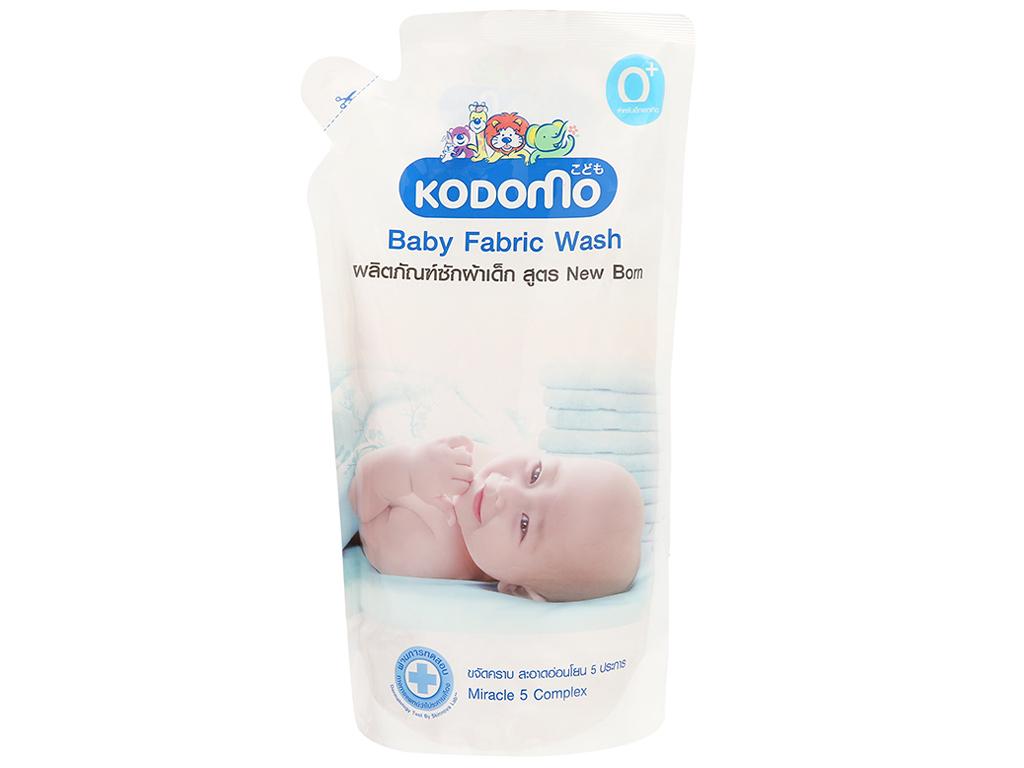 Dung dịch giặt tẩy quần áo Kodomo xanh túi 600ml 1