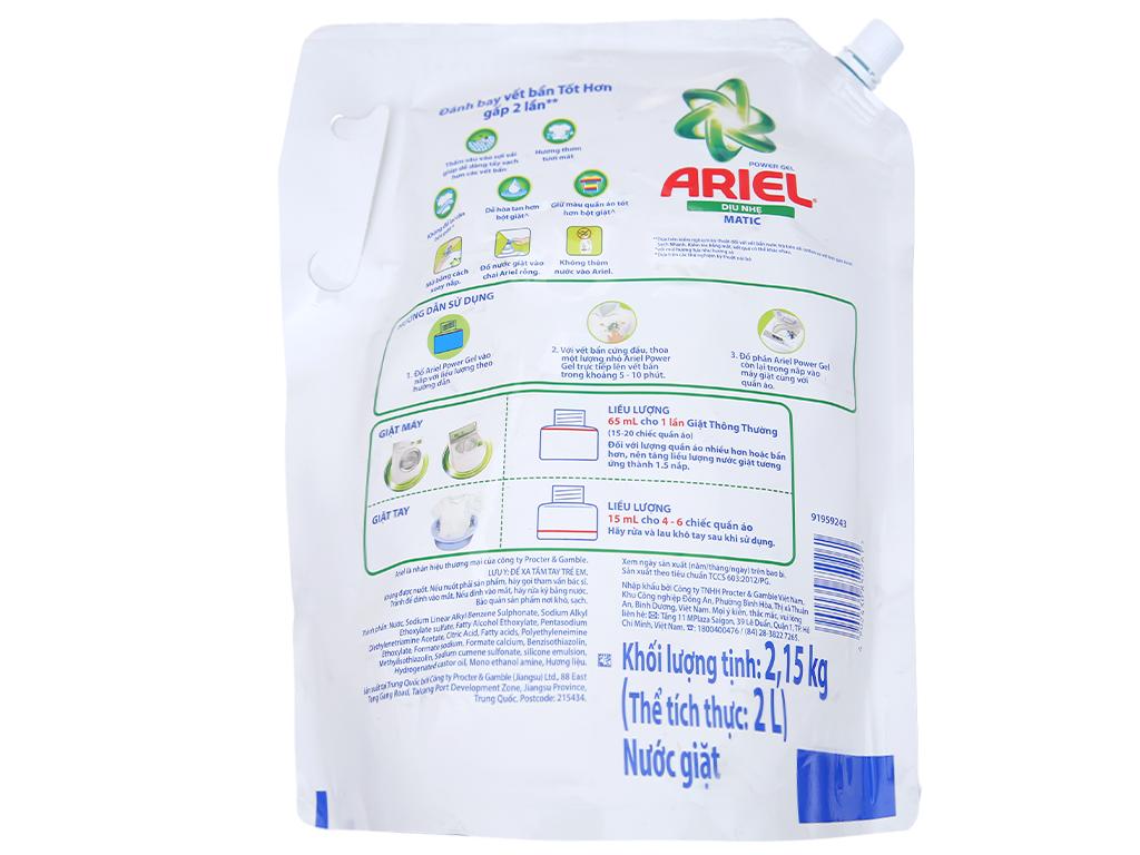Nước giặt Ariel Matic dịu nhẹ hương sả túi 2.15kg 2