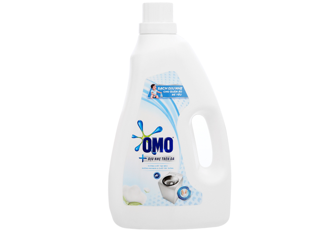 Nước giặt OMO Matic dịu nhẹ trên da chai 2.4kg 1