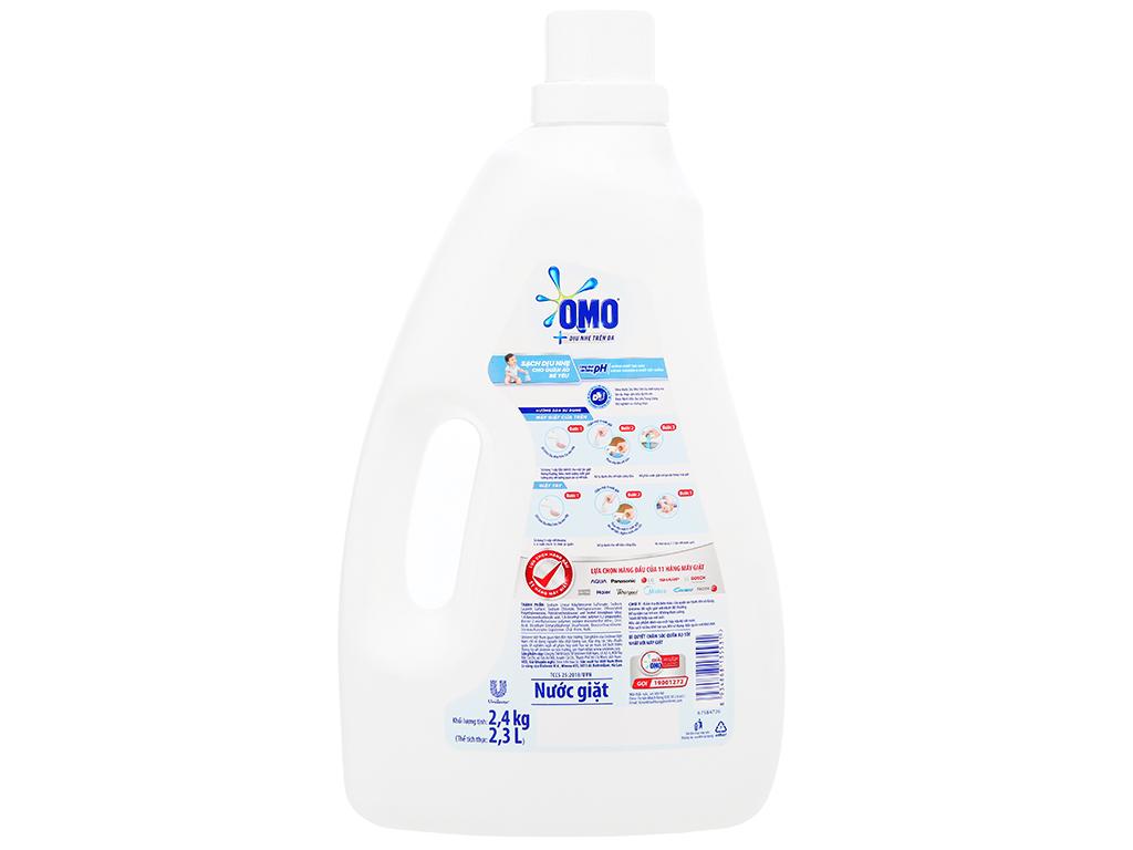 Nước giặt OMO Matic dịu nhẹ trên da chai 2.4kg 2