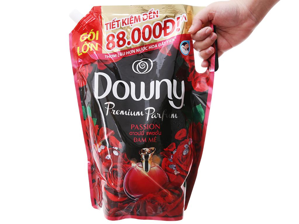 Nước xả vải Downy đam mê túi 2.4 lít 4