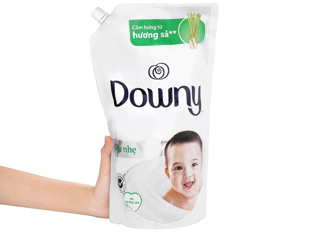 Nước xả vải Downy dịu nhẹ hương sả túi 1.6 lít 6