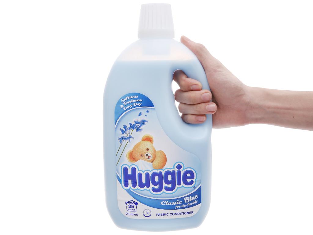 Nước xả vải cho bé Huggies hương biển chai 2L 4