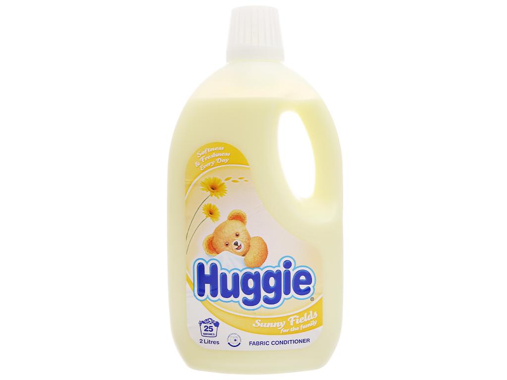 Nước xả vải cho bé Huggies hương sớm mai chai 2 lít 2
